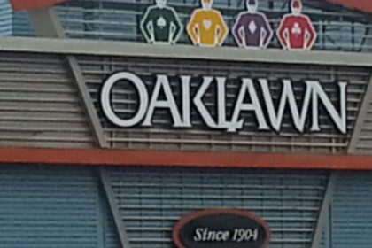 Outdoor sign of Oaklawn park