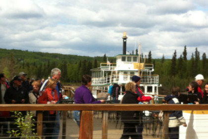 Passengers boarding the Riverboat Discovery at dockside